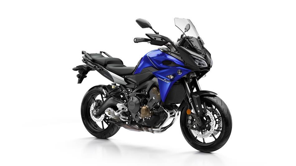 2017-Yamaha-Tracer-900-EU-Yamaha-Blue-Studio-001
